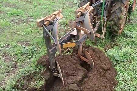 Pushpak DELUX Mechanical Reversible Plough