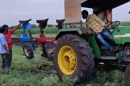 Pushpak Super Hydraulic Reversible Plough